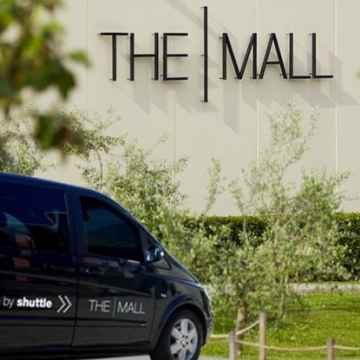 Tour privato di shopping allOutlet The Mall in Toscana da Roma