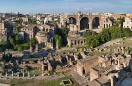 Panoramic view of Roman Forum during a Roman Forum Tour