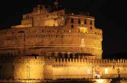 Interesting Bike Tour by Night around the Centre of Rome