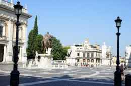 Tour of the greatest Squares of Rome