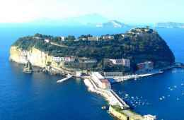 tour of naples by boat