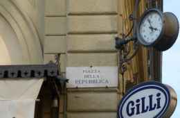 Tour of Florence discovering names of the streets