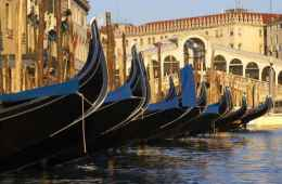 Small group tour of Venice centre and boat tour