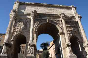 Private tour from the Civitavecchia Port to Rome and the Colosseum