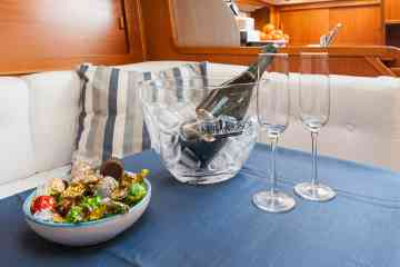 Romantic Dinner on board a panoramic boat departing from Cagliari