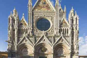 Private Walking tour around the best of Siena with a guide