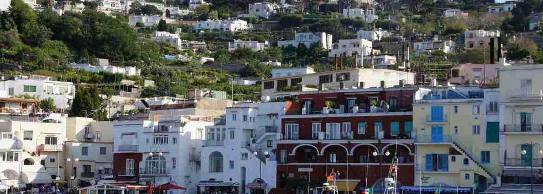 Tour privato in gommone a Capri, partenza da Napoli