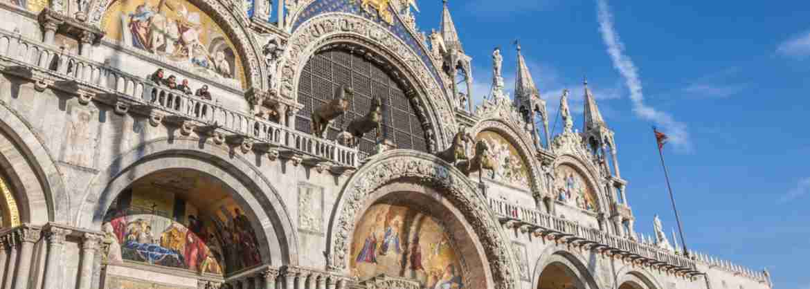 Group Tour of the amazing Saint Marks Basilica in Venice