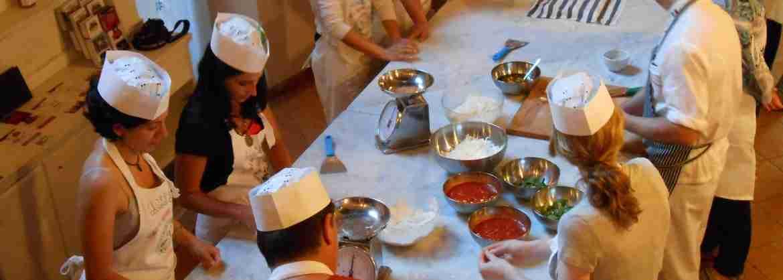 VIP Clase de Cocina de Pizza y Gelato en el Chianti en grupo reducido, desde Florencia