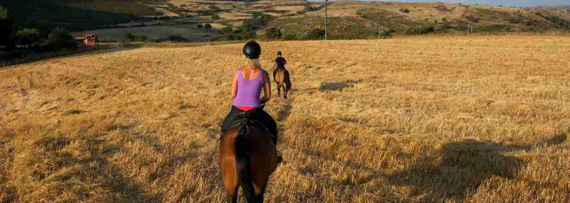 Horse riding in Southern Sardinia, from the mountains to the sea
