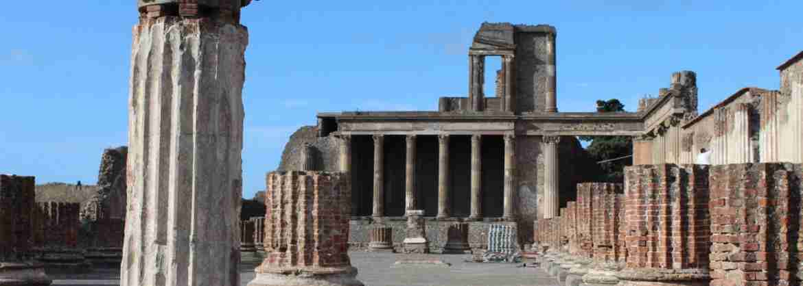 Full day Tour to Pompeii and Naples, departing from Rome