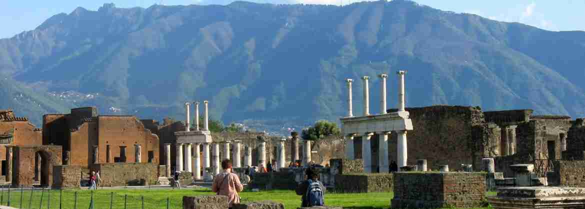 Full Day Tour to Pompeii and the Vesuvius for small groups from Sorrento