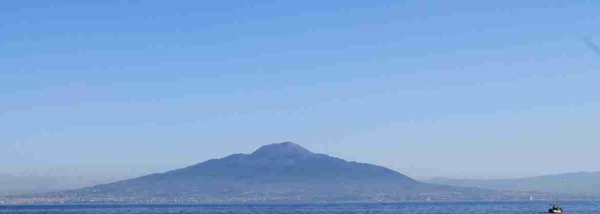 VIP Small-group excursion to Pompeii and the Vesuvius by boat from Sorrento